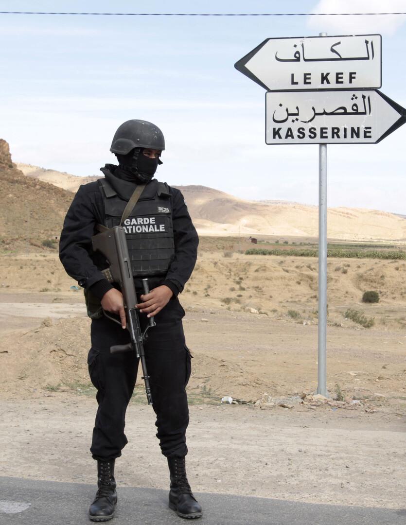 تونس: مقتل ضابط و3 إرهابيين في تبادل لإطلاق النار بولاية القصرين الحدودية