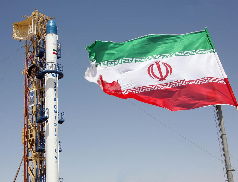 إيران تكشف حقيقة الانفجار في قاعدتها الفضائية