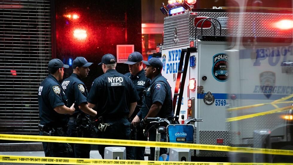 لحظة قتل شرطة نيويورك لمسلح أطلق النار على دورية تابعة لها