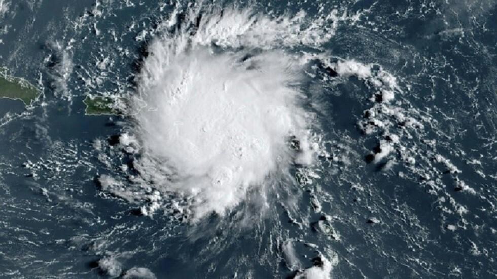 ما الفرق بين الأعاصير والعواصف؟