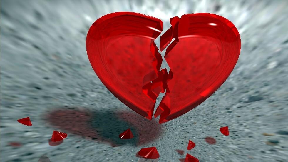 ما الذي يسبب تمزق قلب إنسان سليم؟