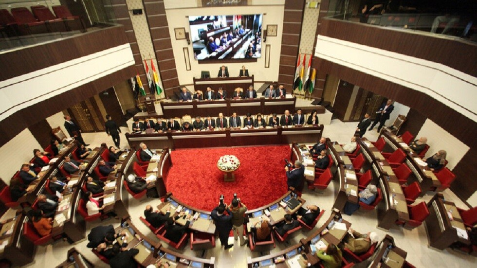 سياسية كردية لـRT: أربيل بصدد تسليم عائدات النفط والجمرك لبغداد