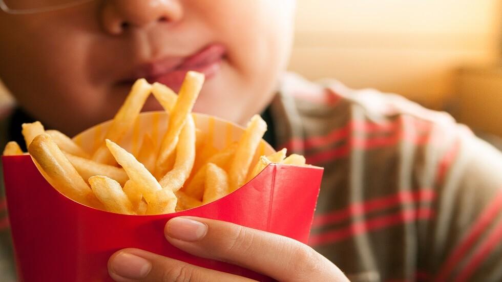 طفل يفقد بصره جراء اتباعه نظاما غذائيا عصريا!