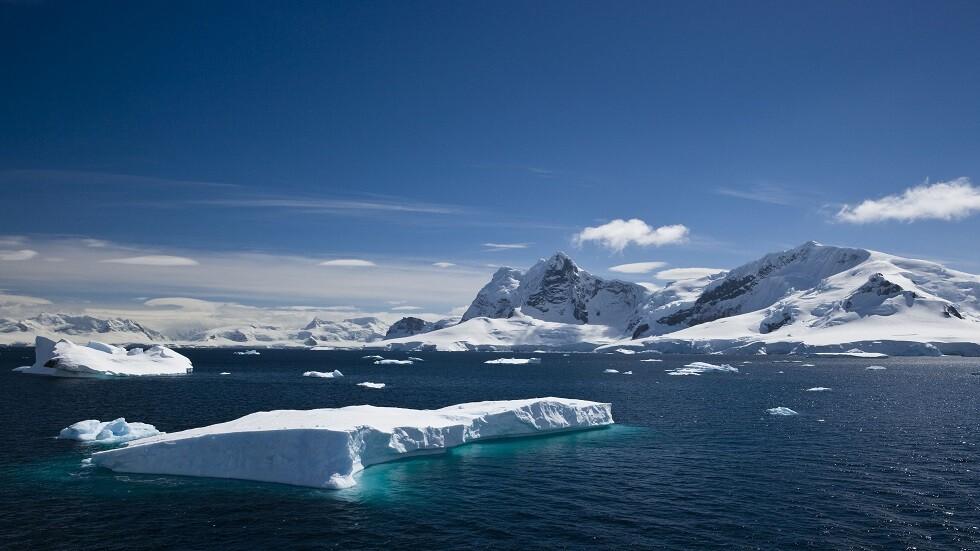 جرف جليدي في أنتاركتيكا يتعرض لكارثة تفوق التوقعات