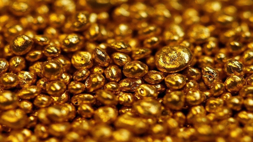 شاهد.. افتتاح أول مدرسة لتعليم صناعة الذهب والحلي في مصر (فيديو)