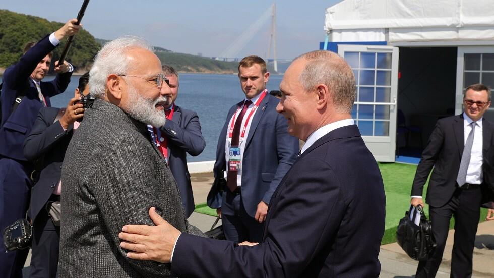 الرئيس بوتين يمنح رئيس وزراء الهند وسام القديس أندراوس