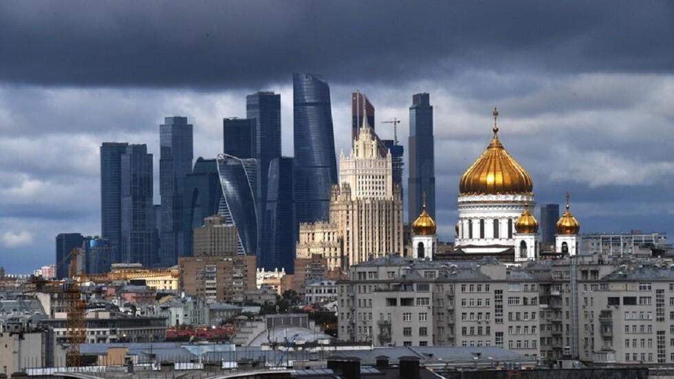 يتهمون روسيا بالسعي لتحقيق حلم بطرس الأكبر