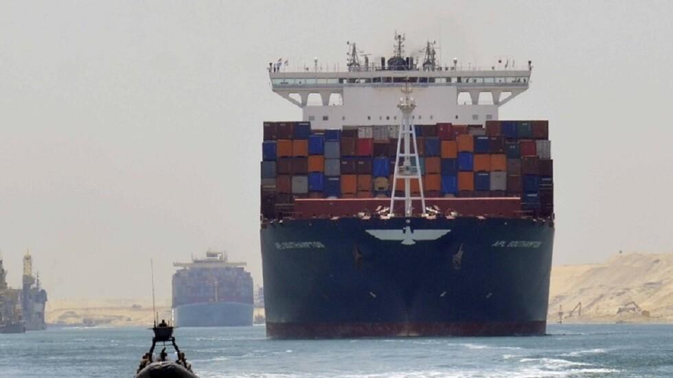 مصر ترد على تراجع السفن العابرة لقناة السويس واتخاذ مسارات بديلة