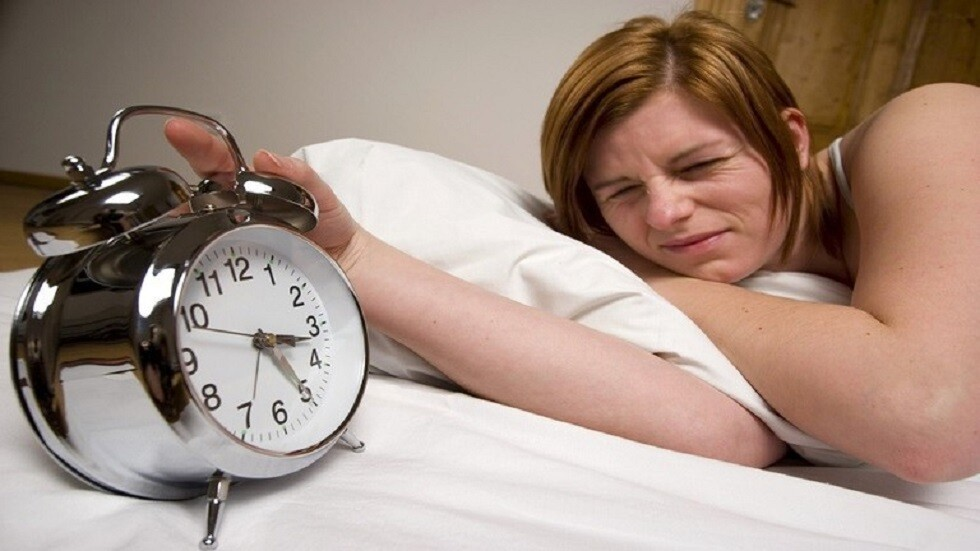 النوم كثيرا أو قليلا يزيد من خطر الإصابة بمرض قاتل