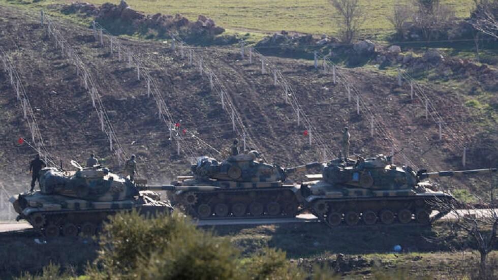 الجيش التركي يسير دوريات بين نقاط مراقبته بـ