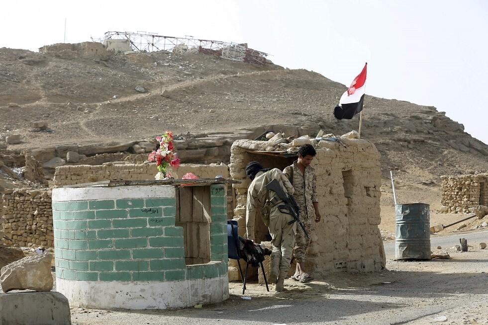 تعزيزات متبادلة للجيش اليمني وقوات الحزام الأمني المدعومة إماراتيا في عدن