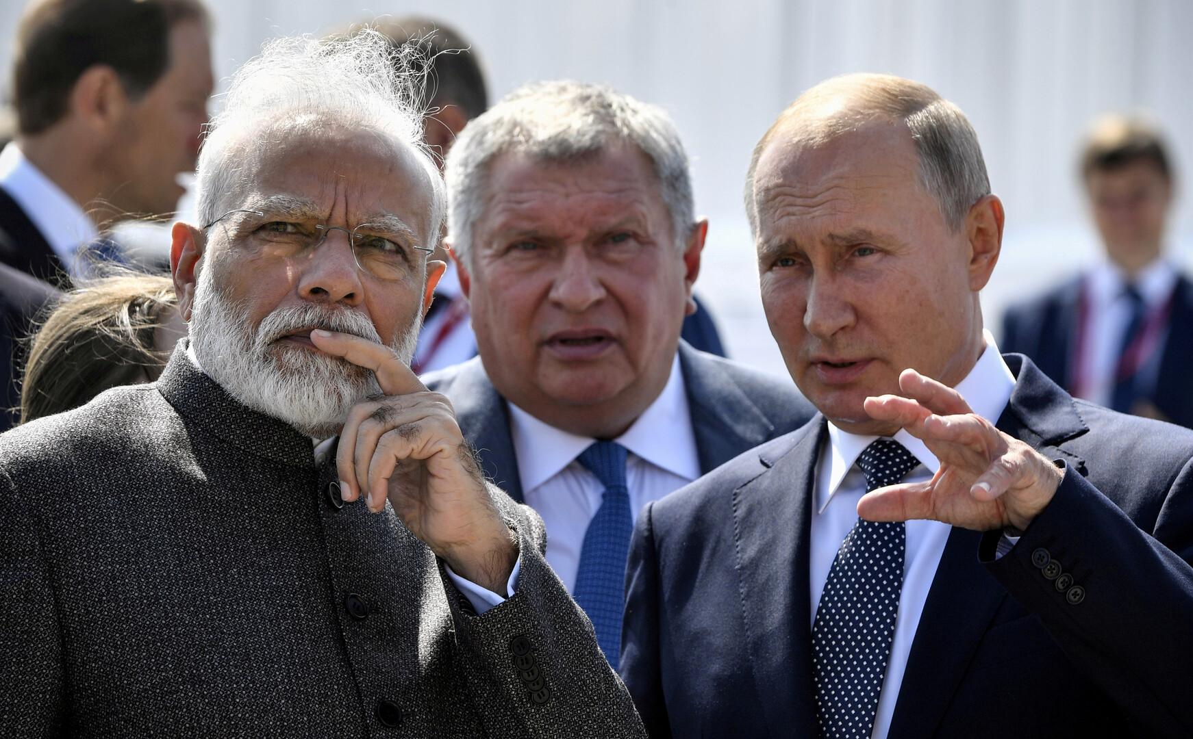 الرئيس الروسي فلاديمير بوتين ورئيس الوزراء الهندي ناريندا مودي