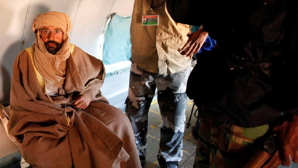 محامي سيف الإسلام القذافي ينفي علاقة موكله بحساب يحمل اسمه على