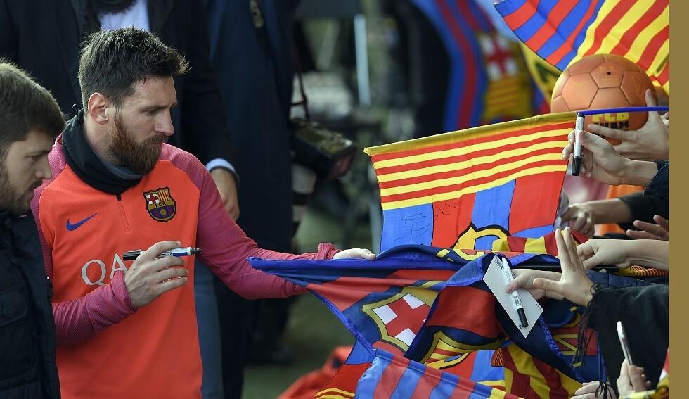 ميسي يمكنه الرحيل عن برشلونة متى يشاء