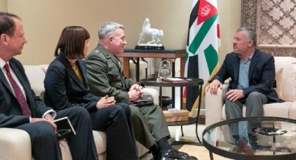العاهل الأردني يلتقي قائد القيادة المركزية الأمريكية في عمان