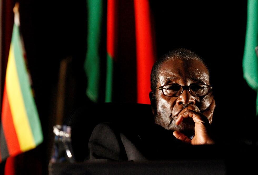 وفاة رئيس زيمبابوي السابق روبرت موغابي عن عمر ناهز 95 عاما