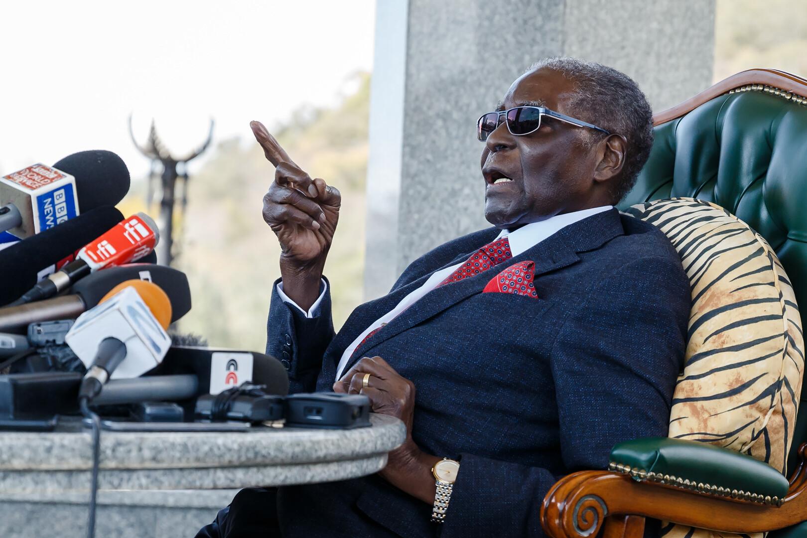 ومات موغابي حتف أنفه!