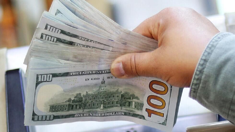 لماذا ينخفض الدولار في مصر؟