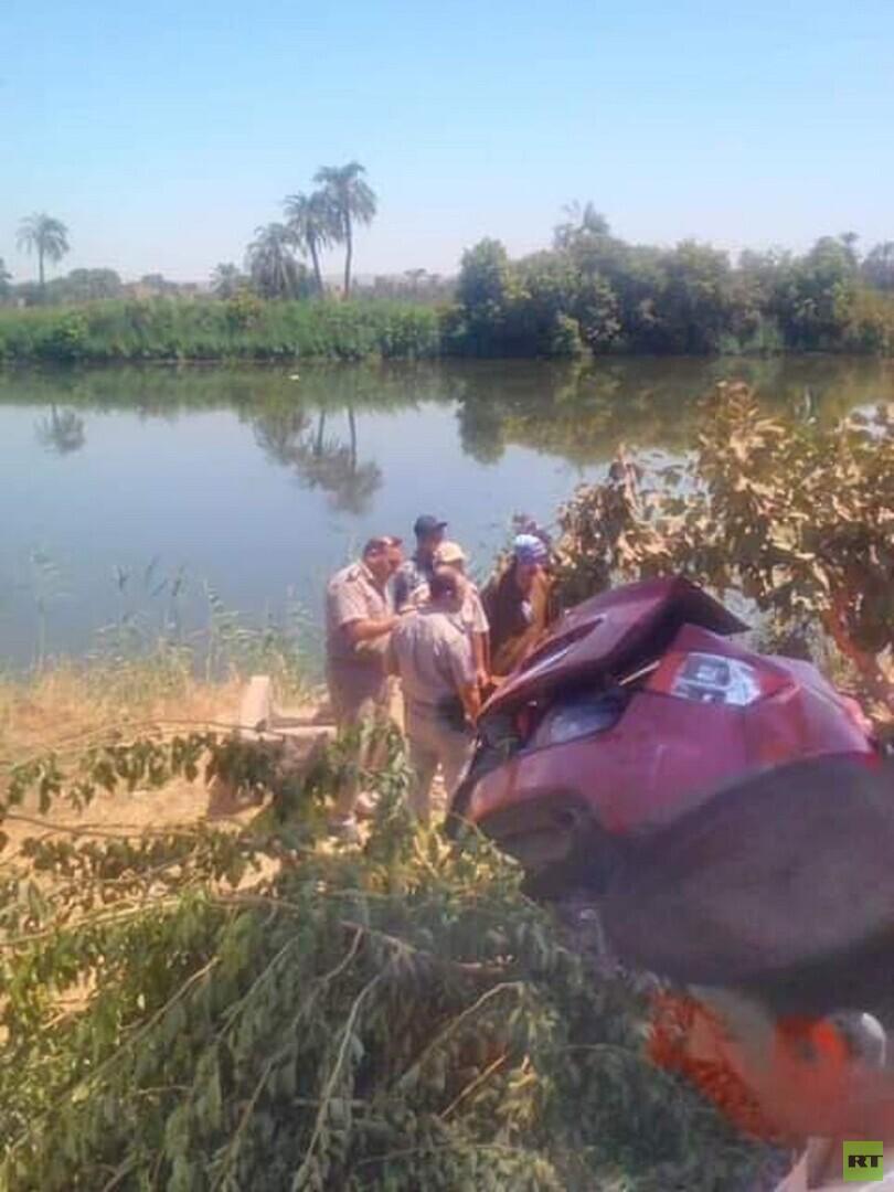 مصر.. حادث سير مروع يقتل عدة أطفال وسيدة من عائلة واحدة
