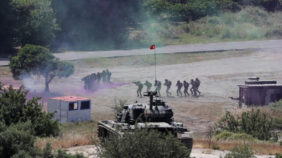 خبير لـ RT: واشنطن تخدع تركيا بشأن المنطقة الآمنة.. واللاجئون يمثلون خطورة أكبر على أوروبا