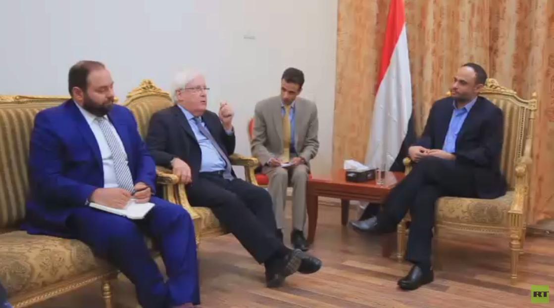 الحوثيون ينفون إجراء محادثات مع واشنطن