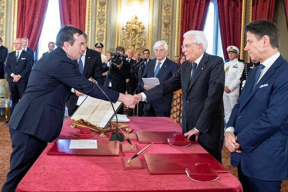 إيطاليا.. تعيين زوج صحفية مغربية وزيرا في حكومة جوزيبي كونتي (صورة)