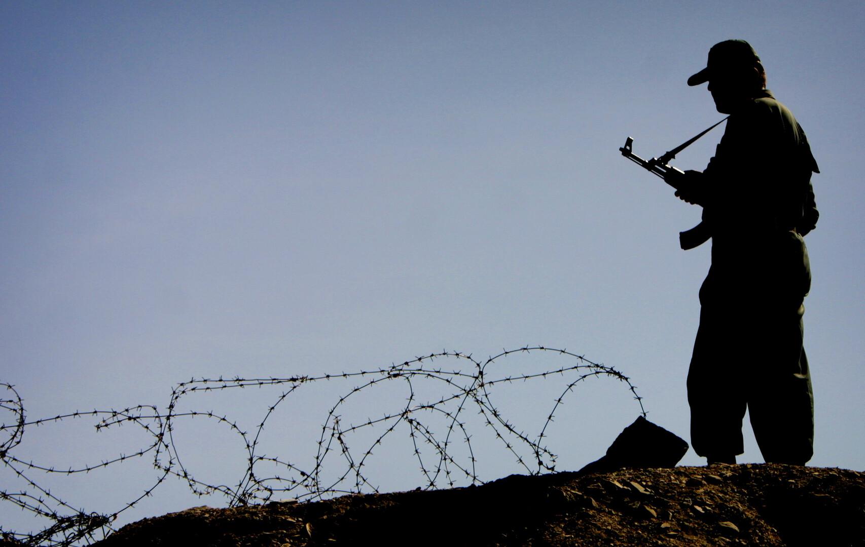 مقتل عنصر من حرس الحدود في اشتباك مع مسلحين غربي إيران