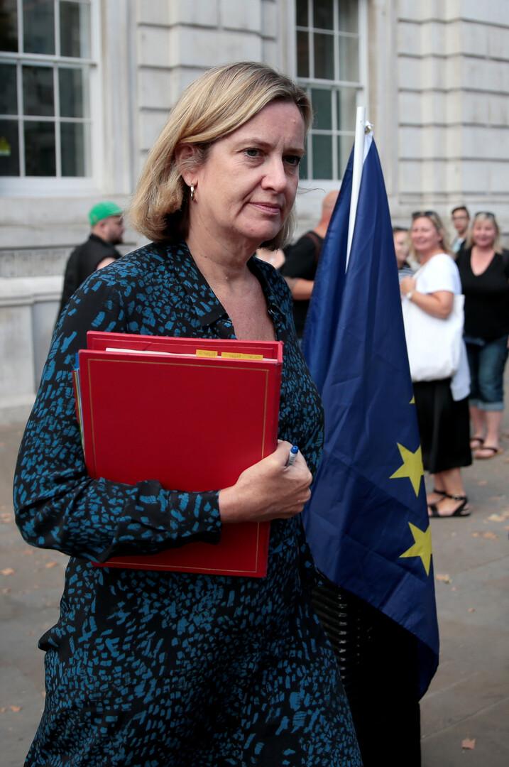 وزيرة العمل البريطانية أمبر رود تقدم استقالتها