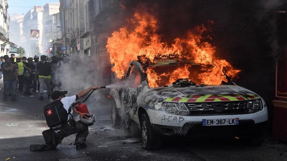 الشرطة الفرنسية تعتقل 89 متظاهرا من محتجي
