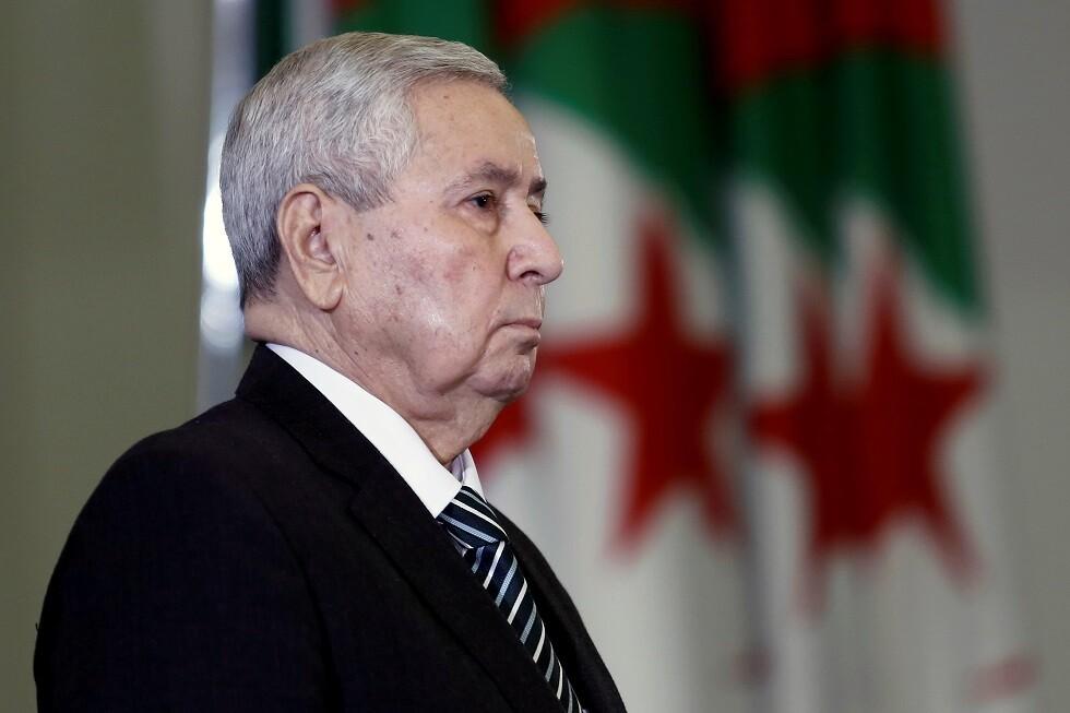 الرئيس الجزائري يؤيد مقترح تنظيم انتخابات في أقرب الآجال