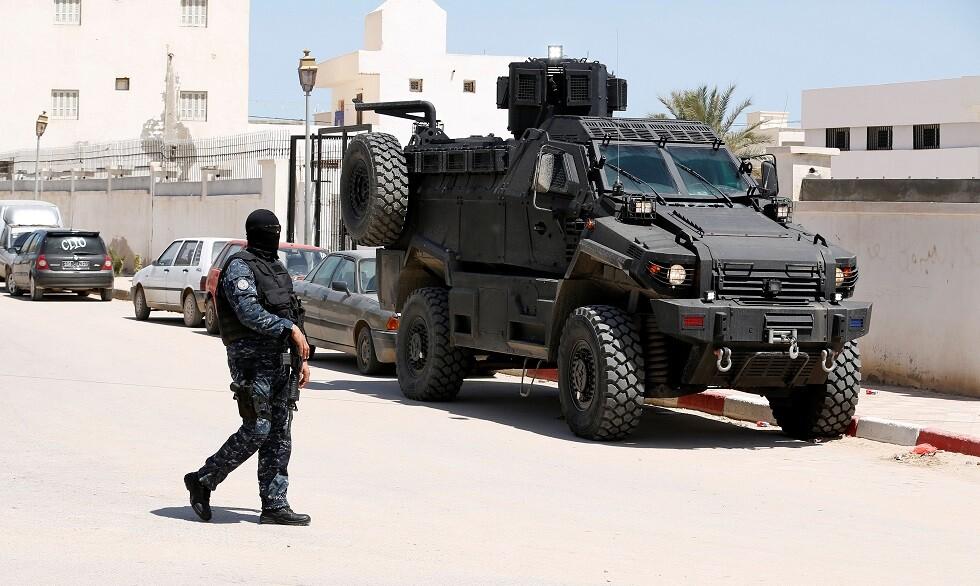 تونس.. الشرطة تعتقل منفذ عملية طعن استهدفت رجل أمن