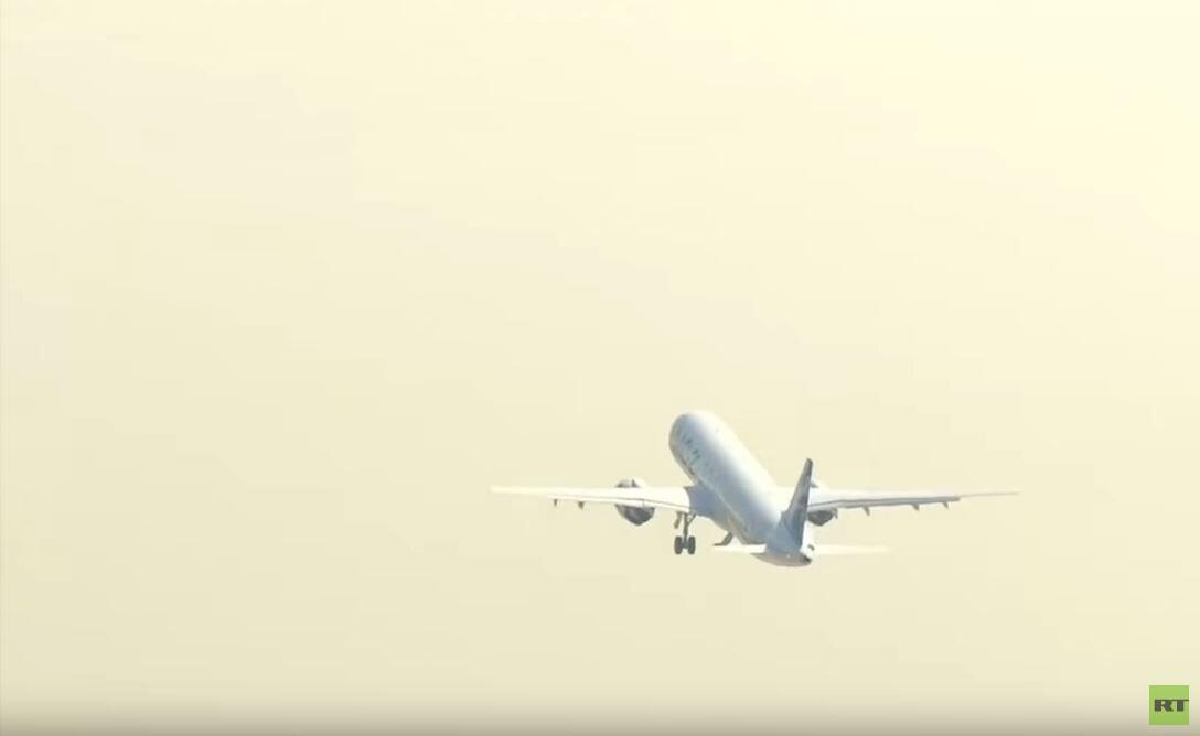 طائرة روسية جديدة تقلع بزاوية
