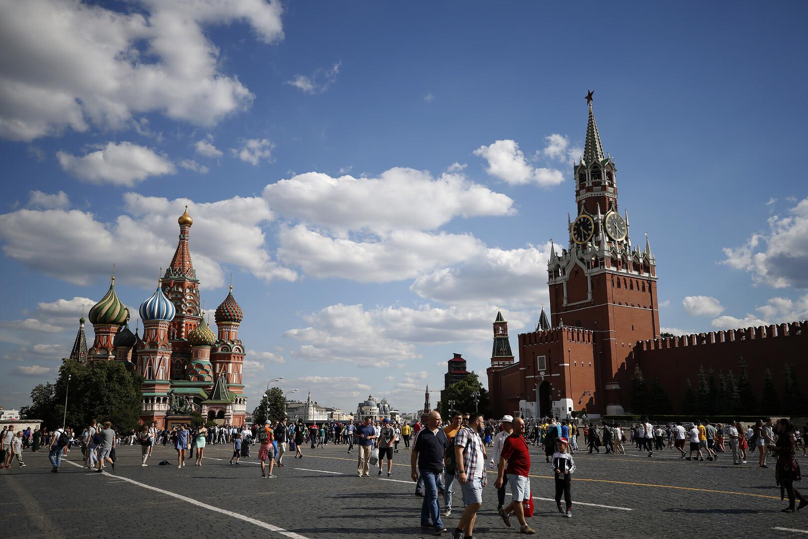 بيسكوف: بوتين أكد لماكرون وزيلينسكي رغبته في استئناف العمل في إطار