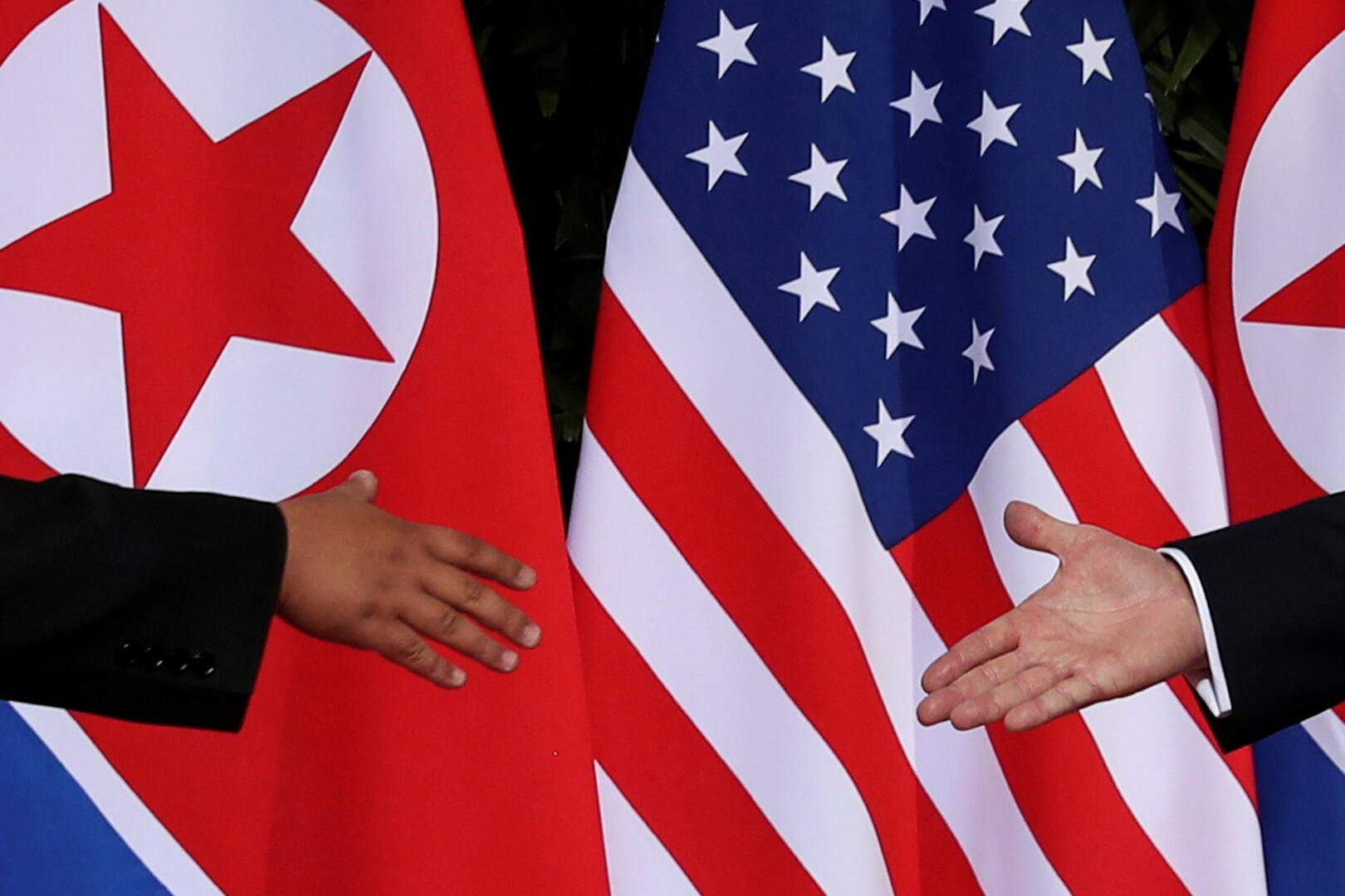 صورة من القمة التاريخية للرئيس الأمريكي، دونالد ترامب، وزعيم كوريا الشمالية، كيم جونغ أون، في سنغافورة يوم 12 يونيو 2018.