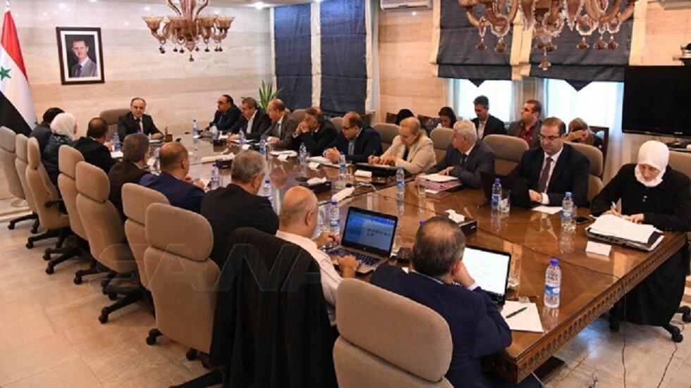 قرارات طارئة في اجتماع استثنائي وحاسم للحكومة السورية
