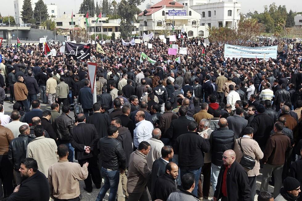 الأردن.. فشل المفاوضات بين الحكومة ونقابة المعلمين ينذر بتصعيد جديد للأزمة