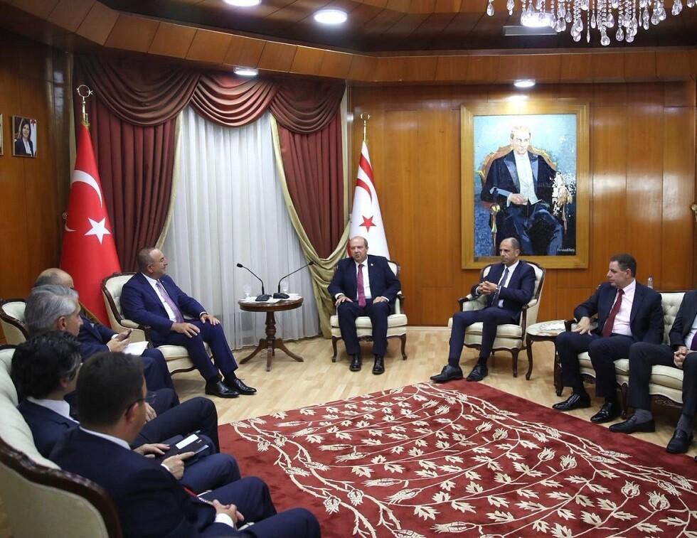 رئيس حكومة شمال قبرص يبحث مع تشاووش أوغلو أنشطة التنقيب شرق المتوسط