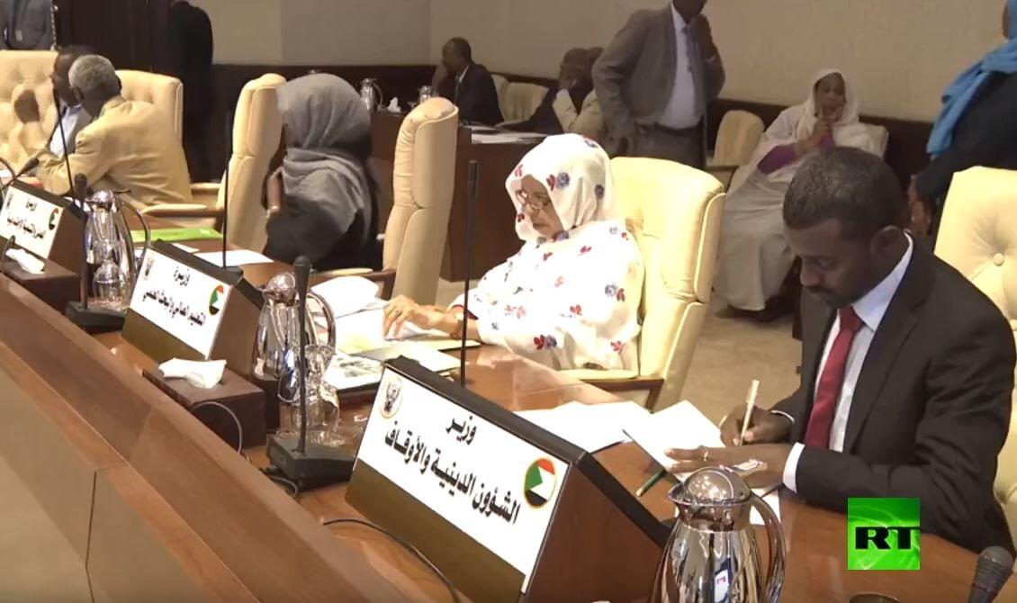 الحكومة السودانية تعقد اجتماعها الأول برئاسة حمدوك