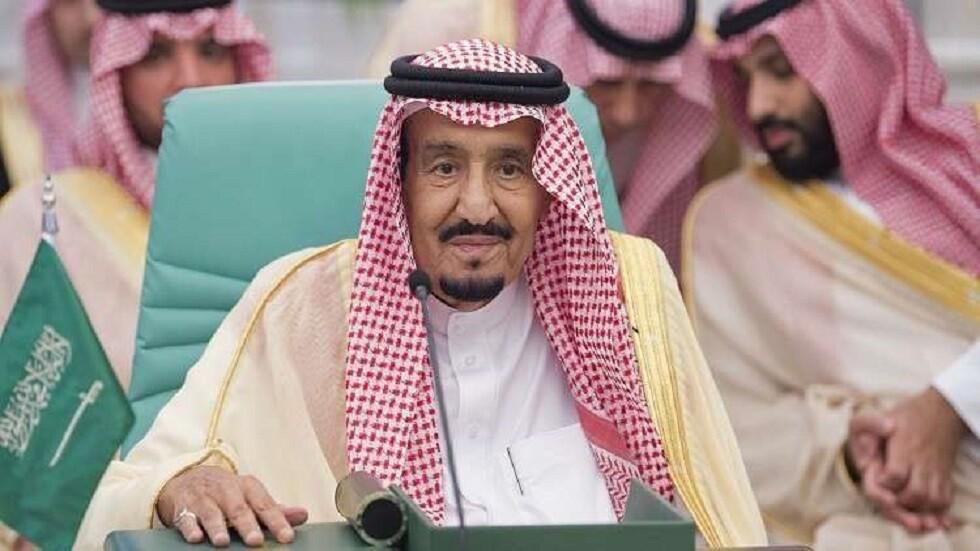 الملك سلمان يتسلم رسالة أمير الكويت (صور)
