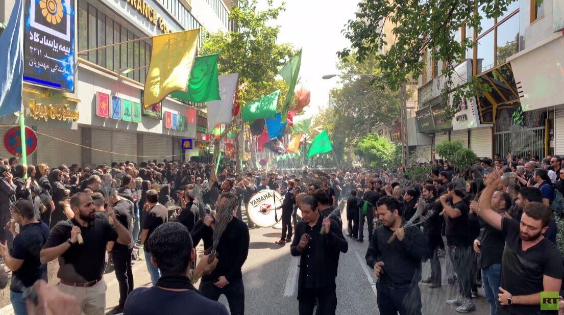شاهد.. المسلمون الشيعة في إيران يحيون ذكرى عاشوراء