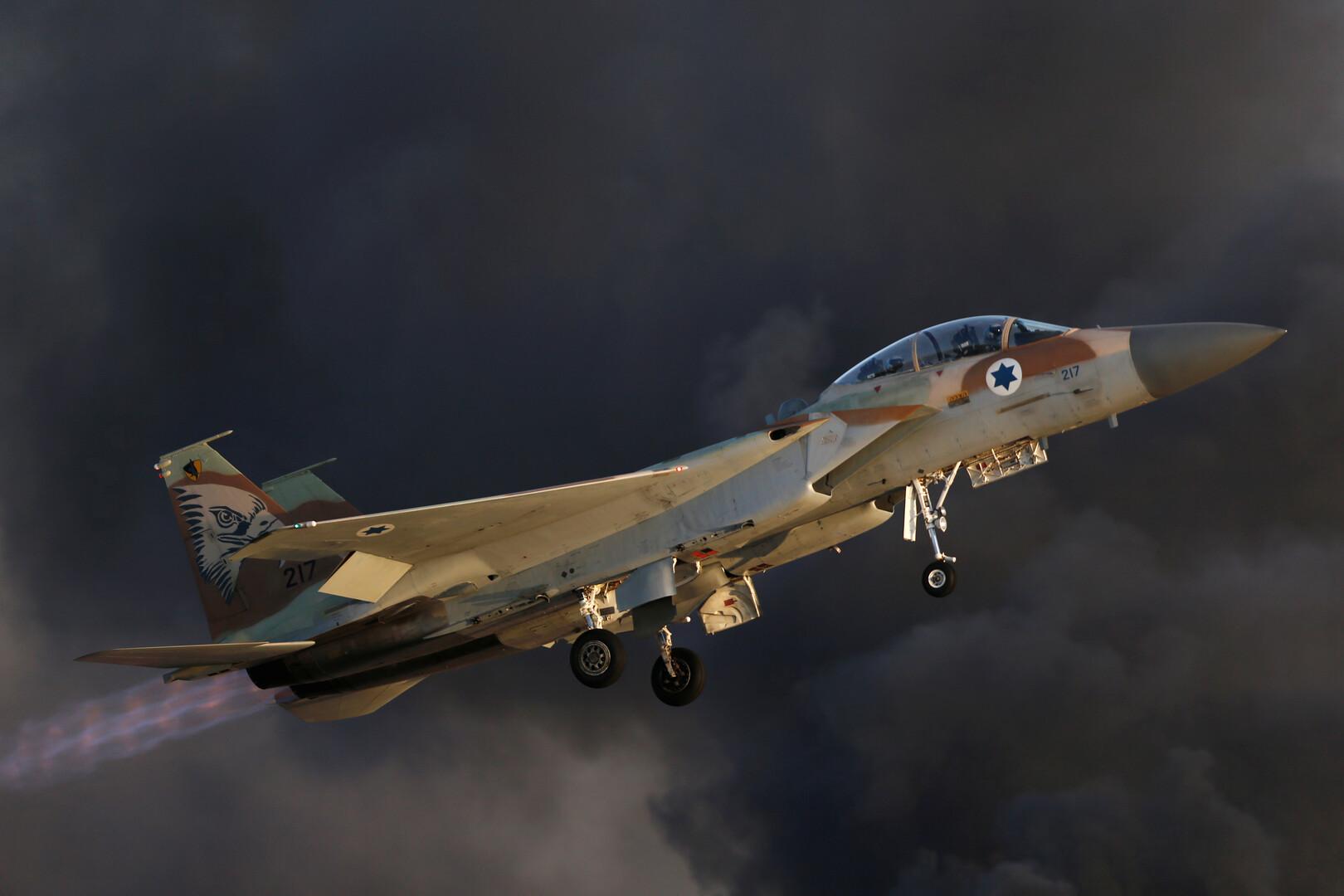 الطيران الإسرائيلي يشن غارات على مواقع وسط وشمال غزة