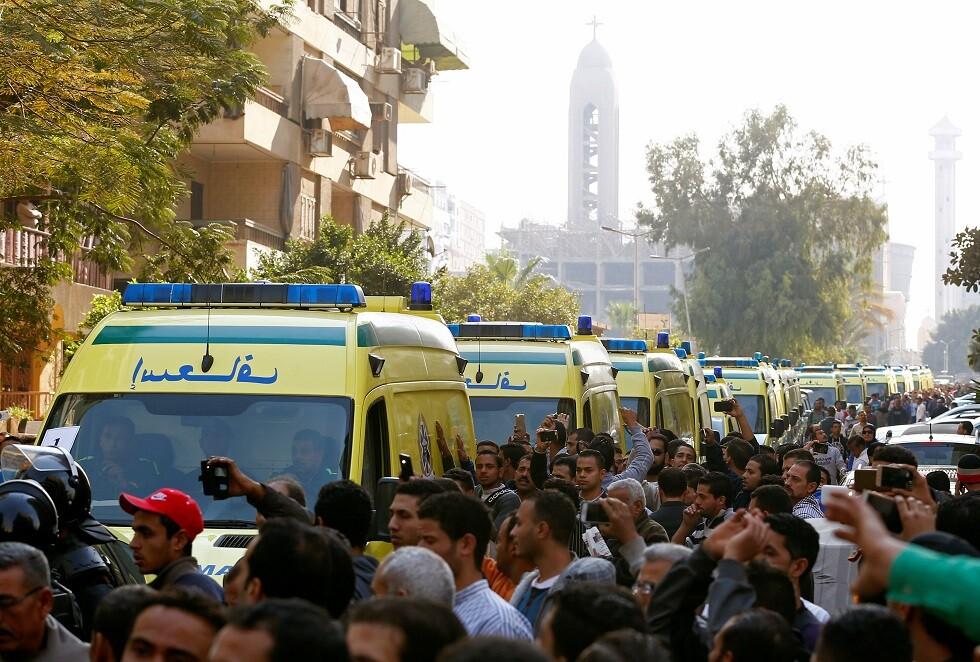 مصر.. فيديو يوثق لحظة السقوط الكارثي لـ