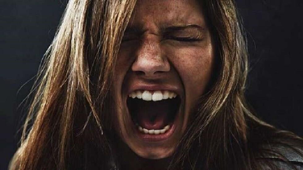 تصفح الشبكات الاجتماعية لأكثر من 3 ساعات يهدد عقول المراهقين