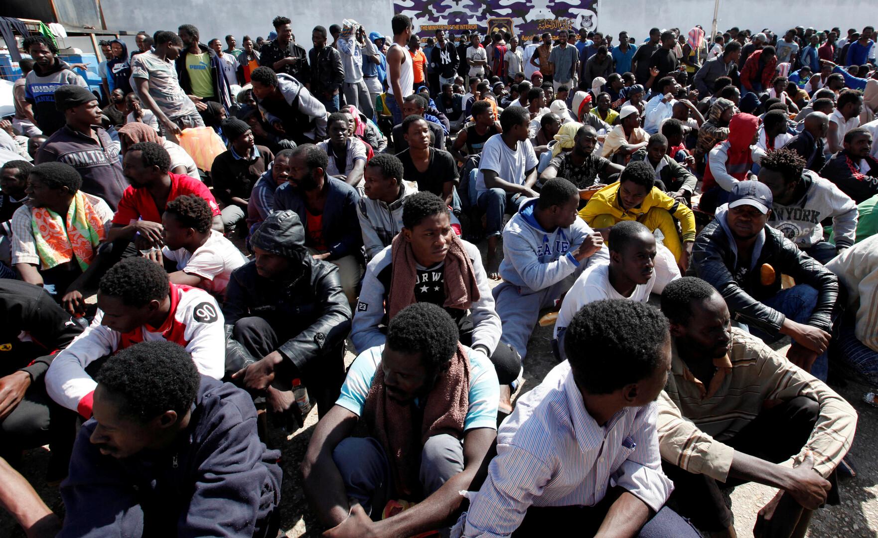اغتصبوا النساء والصغيرات أمام أعيننا.. الهروب من إفريقيا لسراديب باريس!