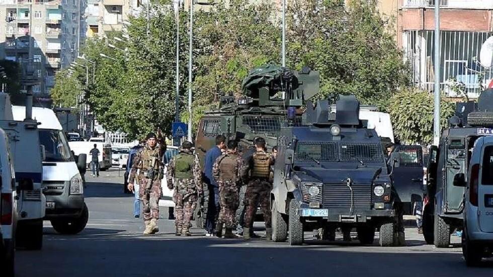 مقتل 4 أتراك بتفجير في ولاية ديار بكر جنوب البلاد