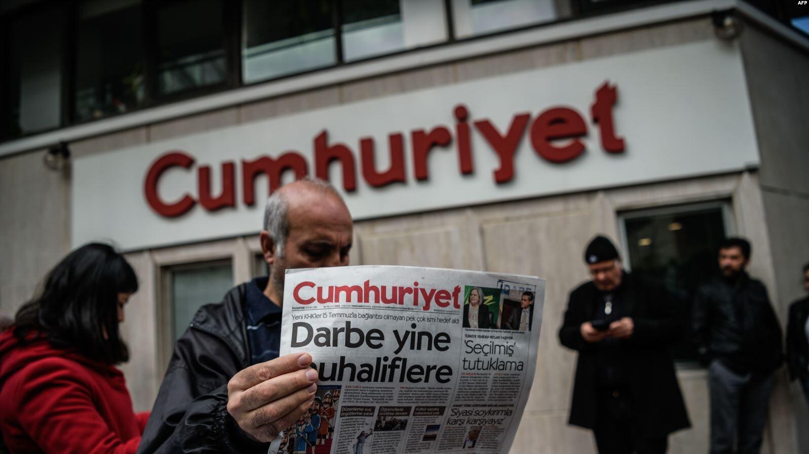 تركيا.. تبرئة 5 صحفيين من جريدة معارضة أدينوا سابقا بدعم الإرهاب