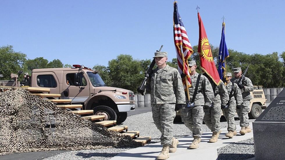 عسكريون أمريكيون في قاعدة مناس الجوية بقرغيزستان (صورة أرشيفية)