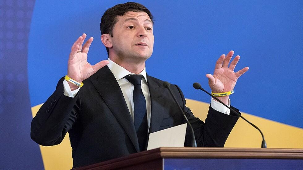 زيلينسكي يعول على ثنائية الدبلوماسية والعقوبات في وجه روسيا