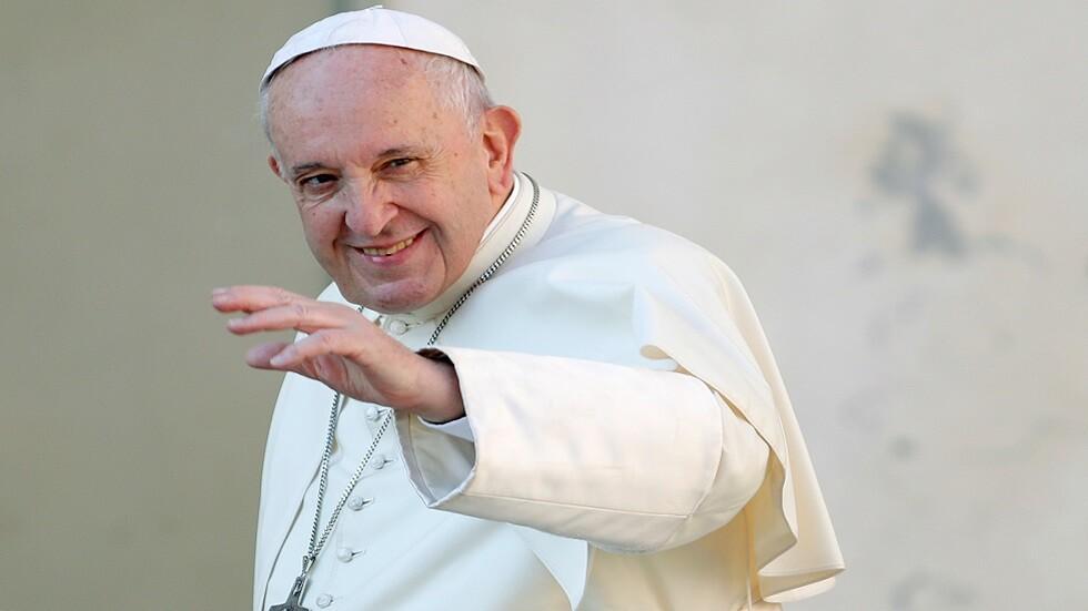 البابا فرنسيس يستعد لزيارة بلد حلم به أيام شبابه