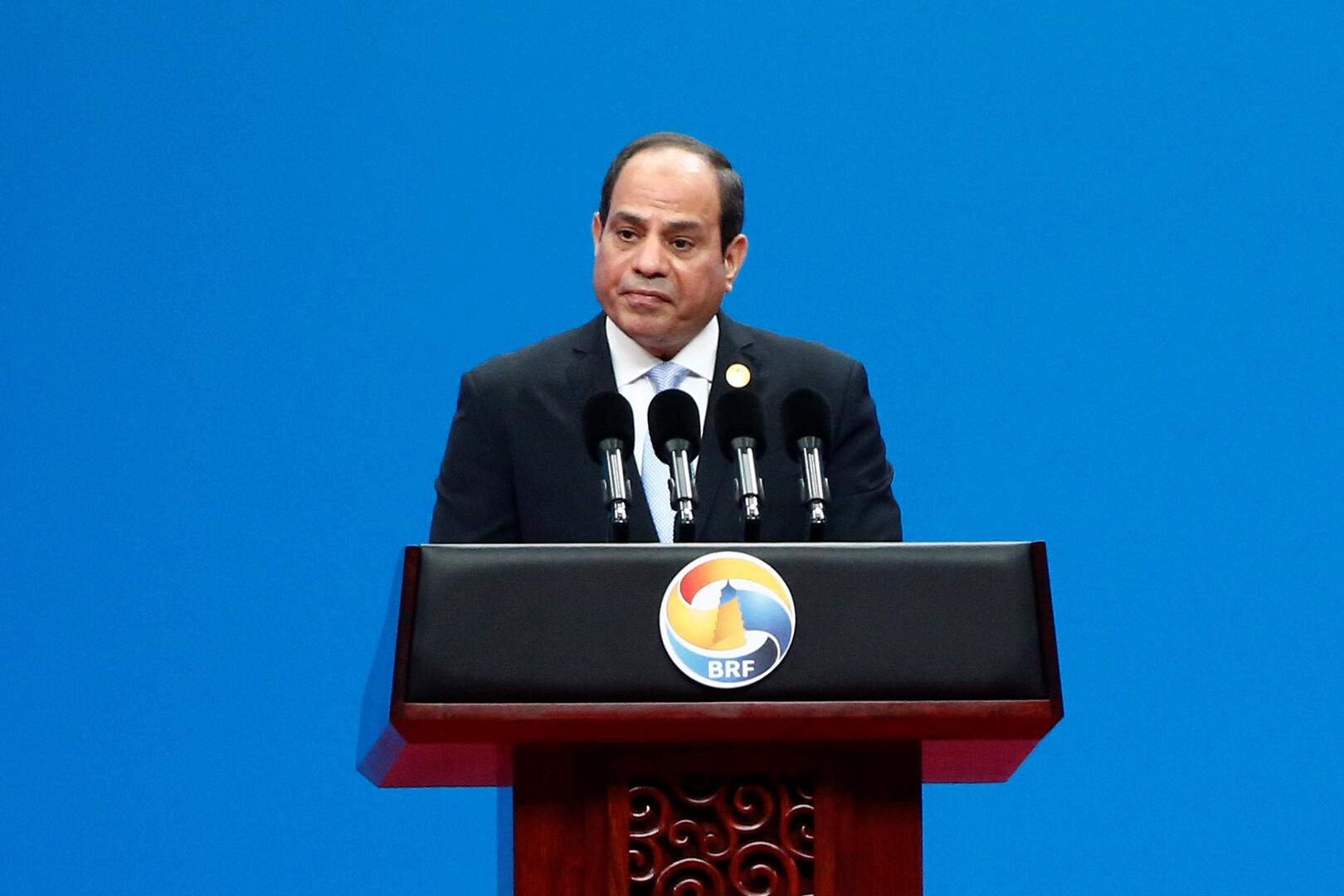 السيسي يعلق على فيديوهات تتهم قيادات الجيش المصري بالفساد -